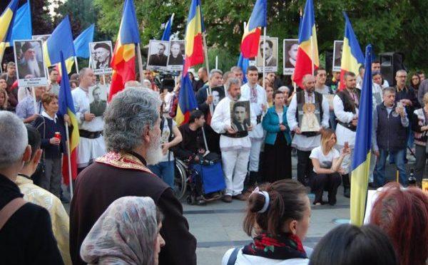 FOTO. Martirii temnitelor comuniste, comemorati de ziua lor